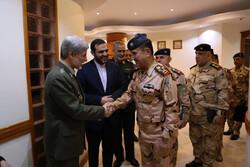 دیدار فرماندهان ارشد نظامی عراق با وزیر دفاع ایران