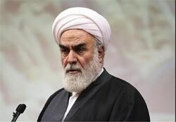 دشمن باتمام وجود سعی میکند وحدت و اتحاد مردم ایران را ازبین ببرد