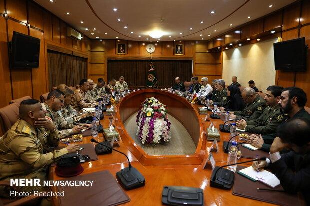 دیدار فرماندهان عالیرتبه عراق با وزیر دفاع ایران