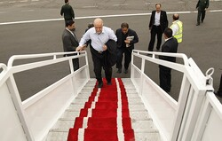 Iran oil min. departs for Oman for energy talks