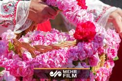 """تحضير ماء الورد في مدينة """" كاشان"""" / فيديو"""