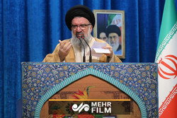 دو قطبی کردن جامعه به مصلحت اتحاد جامعه اسلامی نیست