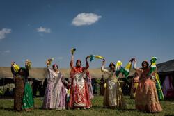 Kaşkay Türklerinin renkli düğününden fotoğraflar