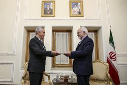 تاجیکستان کے نئے سفیر نے ایرانی وزیر خارجہ کو اسناد پیش کئے