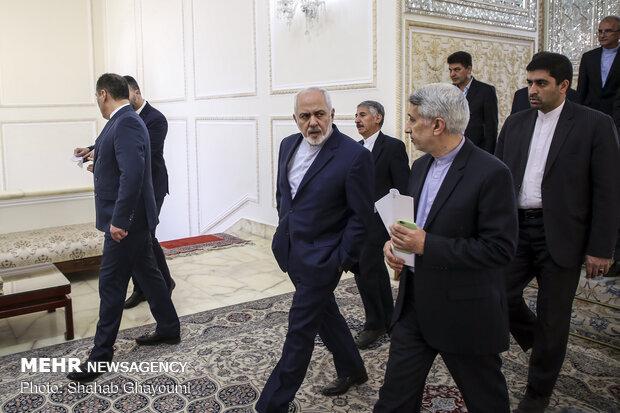 Tajikistan's new amb. submits credentials to FM Zarif