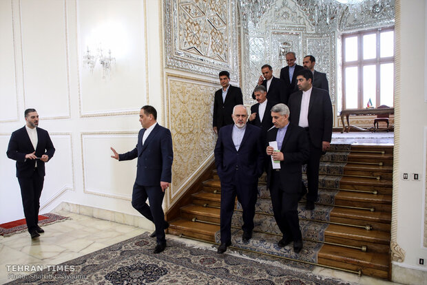 New Tajik envoy submits credentials to Zarif