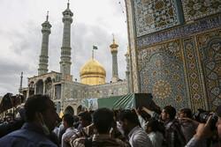 مراسم تشييع شهيدين من شهداء مدافعي الحرم في قم/صور