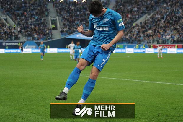 İranlı futbolcu Serdar Azmoun'un takımı Zenit Rusya şampiyonu oldu