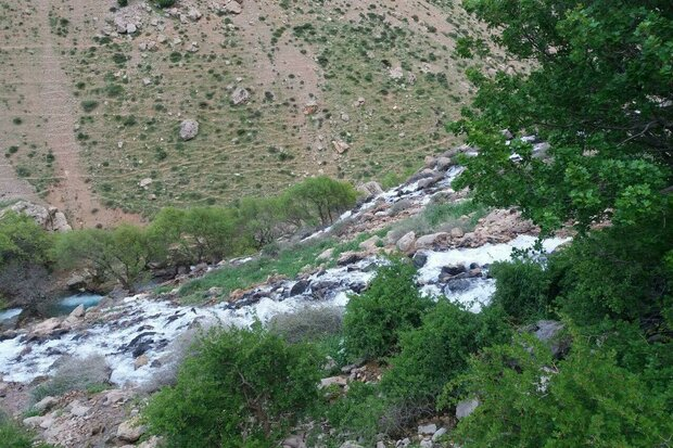 VIDEO: Bisheh Waterfall in Lorestan province