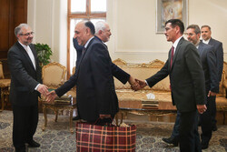 دیدار سفیر افغانستان با وزیر امور خارجه