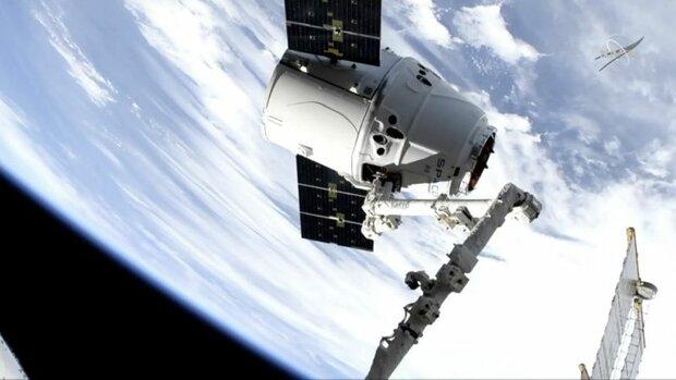 شرکت اسپیس ایکس, نوآوری, کانادا, ایستگاه فضایی بین المللی