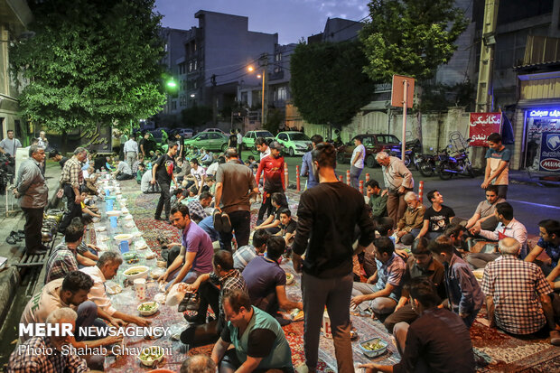 موائد افطار رمضان المبارك