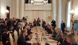 مذاکرات دوجانبه وزرای امور خارجه ایران و روسیه آغاز شد