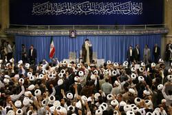 Seminary students meet with Ayat. Khamenei