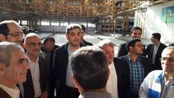 بازدید حناچی از کارخانه واگن سازی تهران