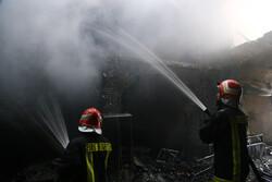 آتشسوزی دوباره در مجموعه ورزشی انقلاب/ آتشنشانان به موقع رسیدند