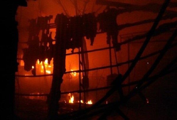 اتصال سیمهای برق باعث آتش سوزی در بازار تبریز شد