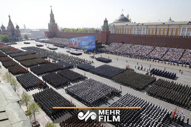 صدر پوتین کی موجودگی ميں روسی فوج کی شاندار پریڈ