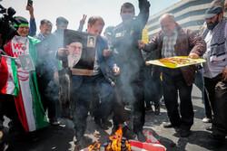 مسيرات شعبية تطالب الحكومة الإيرانية بالانسحاب من الاتفاق النووي/صور