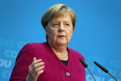 Merkel urges 'political solution' to US-Iran tensions