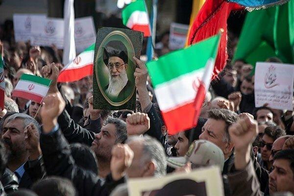 حمایت نمازگزاران مشهد از بیانیه شورای عالی امنیت ملی