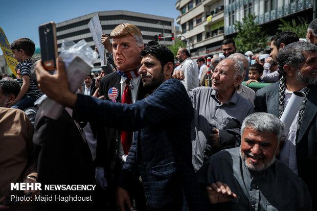 مسيرات شعبية تطالب الحكومة الإيرانية الانسحاب من الاتفاق
