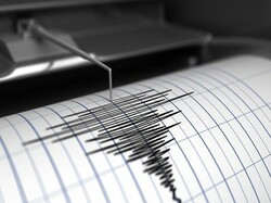 Fairly strong quakes shake western, southeastern Iran