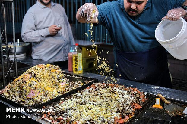 ليالي رمضانية عامرة في زقاق الفلافل بطهران