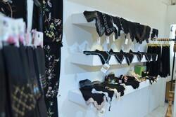 نذر چادر در نمایشگاه عفاف و حجاب
