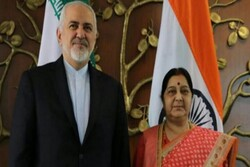 Iranian, Indian FMs discuss nuclear deal, economic coop.