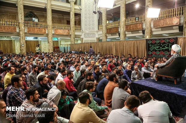 """مراسم الابتهال والدعاء في ليالي رمضان في مسجد """"الامام الصادق (ع)"""""""