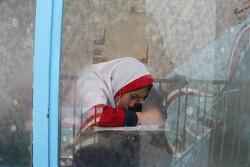 مدرسة للصغار من الجالية الافغانية في ايران / صور