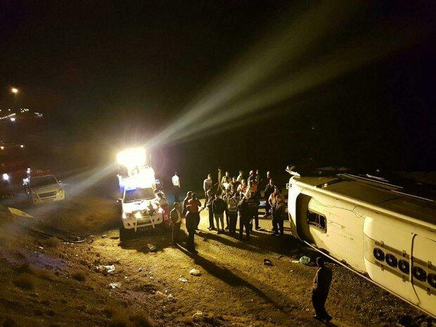واژگونی اتوبوس در جاده مرند/ ۲۱ نفر مصدوم شدند