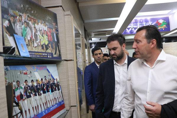 خواستههایمان را به سرمربی جدید تیم ملی فوتبال دیکته میکنیم