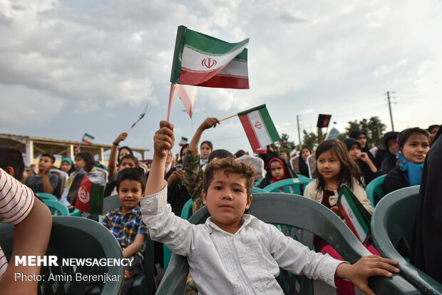 Iranians, Afghans celebrate unity in Shiraz