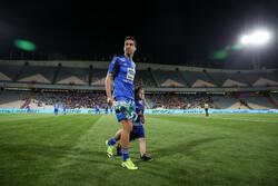 Esteghlal's Khosro Heidari hangs boots at 35