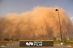 İran'daki kum fırtınasından görüntüler