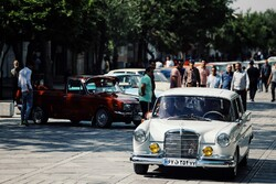 Vintage cars to drive around Tehran on Wed.