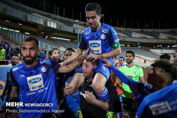 دیدار تیم های فوتبال استقلال تهران و سپید رود رشت