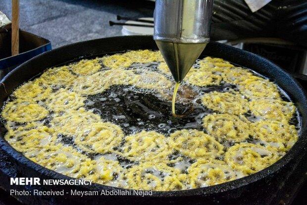 کارگاه پخت زولبیا و بامیه در کرمانشاه