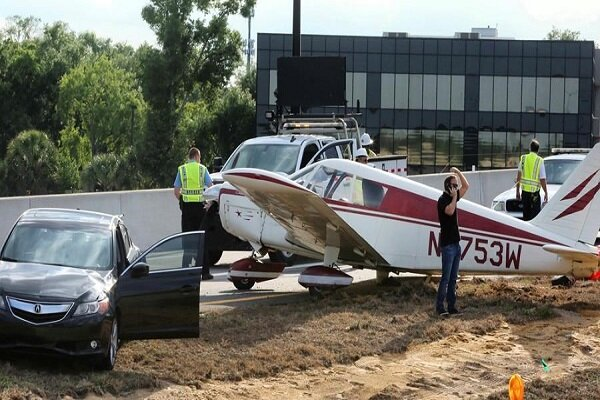 VIDEO: Emergency rush hour landing on Florida highway