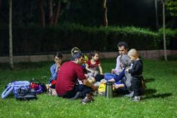 تہران کے پارکوں میں افطار کا اہتمام