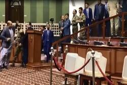 اولین جلسه پارلمان افغانستان به درگیری کشیده شد