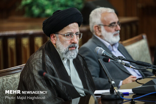 Economic activists meet with judiciary chief