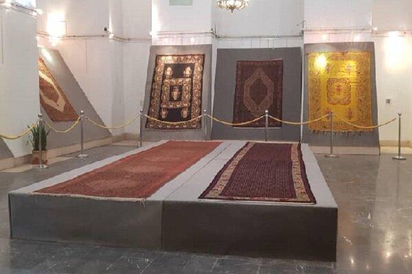 نمایش قالیهای کردستان با نقوش هزارساله در کاخ گلستان