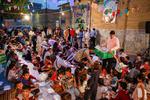 برپایی سفره افطار برای بیش از هزار نفر از ساکنان محله هرندی