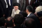 رہبر معظم انقلاب اسلامی سے فارسی ادبیات کے بعض  اساتید اور شعراء کی ملاقات