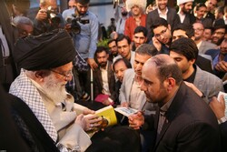 Poets meet with Ayt. Khamenei on Imam Hassan's birth anniv.