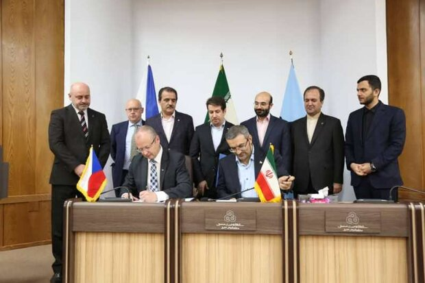 Iran, Czechia sign MoU to expand industrial cooperation