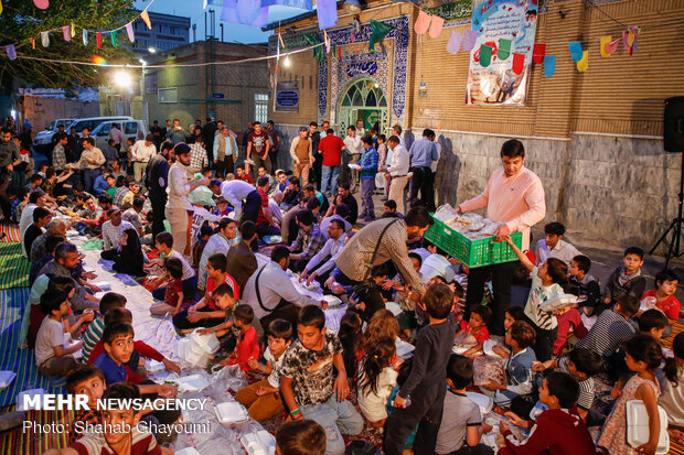 محله هرندی, ضیافت افطار, خیرین, ماه مبارك رمضان